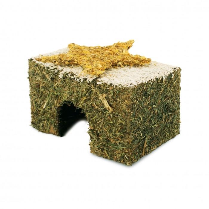 Maison de foin avec toit enneigé